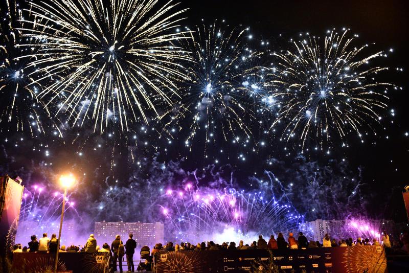 Москва запустит новогодние фейерверки с 30 площадок