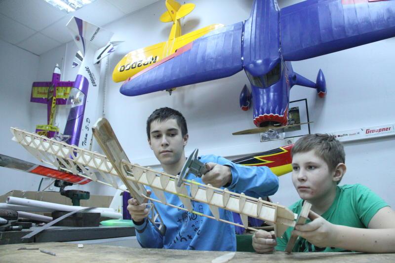 Жители Воскресенского покажут проекты по авиамоделированию в Санкт-Петербурге