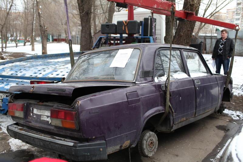 Рейд по выявлению брошенных автомобилей пройдет в Кленовском