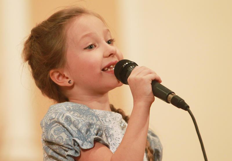 Звонкие голоса: вокалисты из Филимонковского выступили для ветеранов