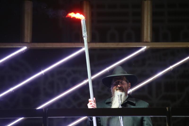 Первую ханукальную свечу зажгут в центре Москвы