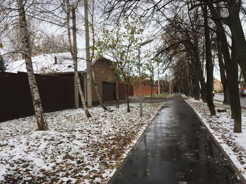 Свыше 100 километров дачных дорог построили и реконструировали в Новой Москве