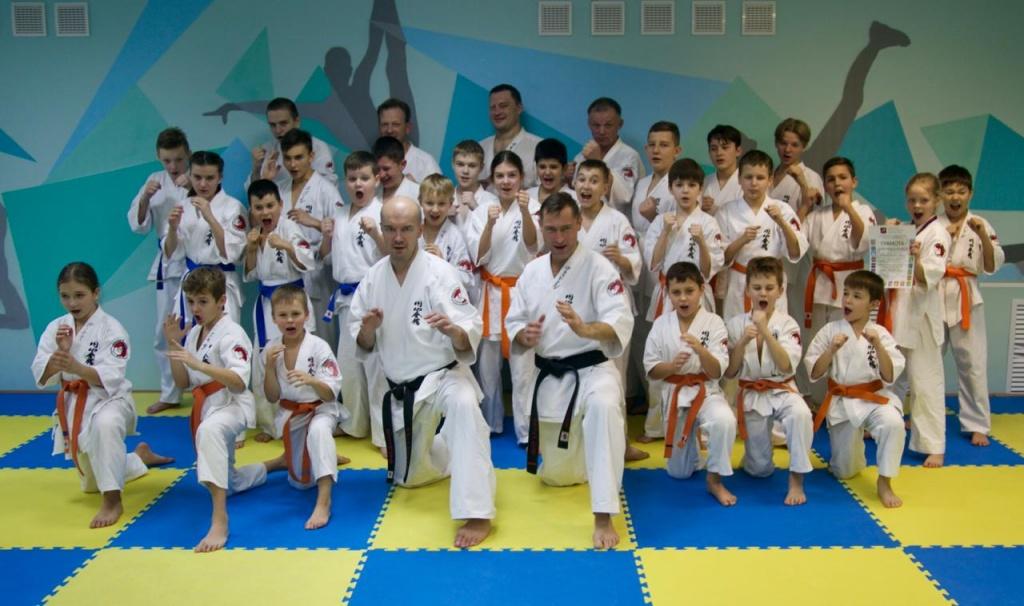 Чемпион мира по каратэ принял экзамен в Первомайском