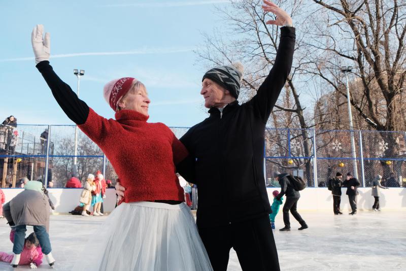 Жители смогут провести свой досуг на катках Новой Москвы