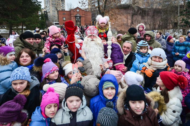 Активисты из Краснопахорского поздравят малышей с Новым годом