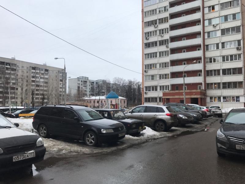 Три парковки в Воскресенском привели в порядок