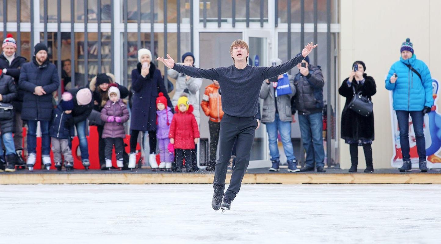 Бесплатные школы фигурного катания открылись в парках Москвы