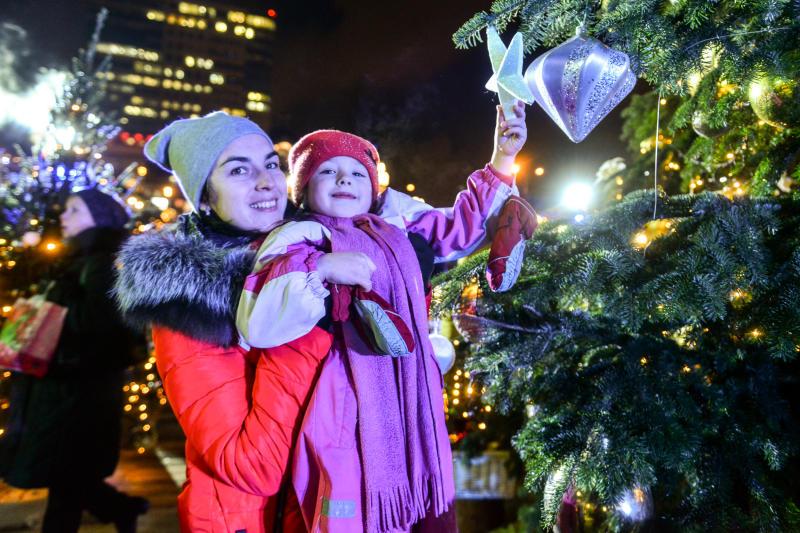 Сказочная атмосфера: фестиваль «Путешествие в Рождество» стартовал в Троицке