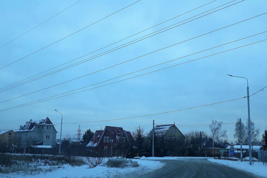 Новые опоры освещения появились в деревне Молодцы