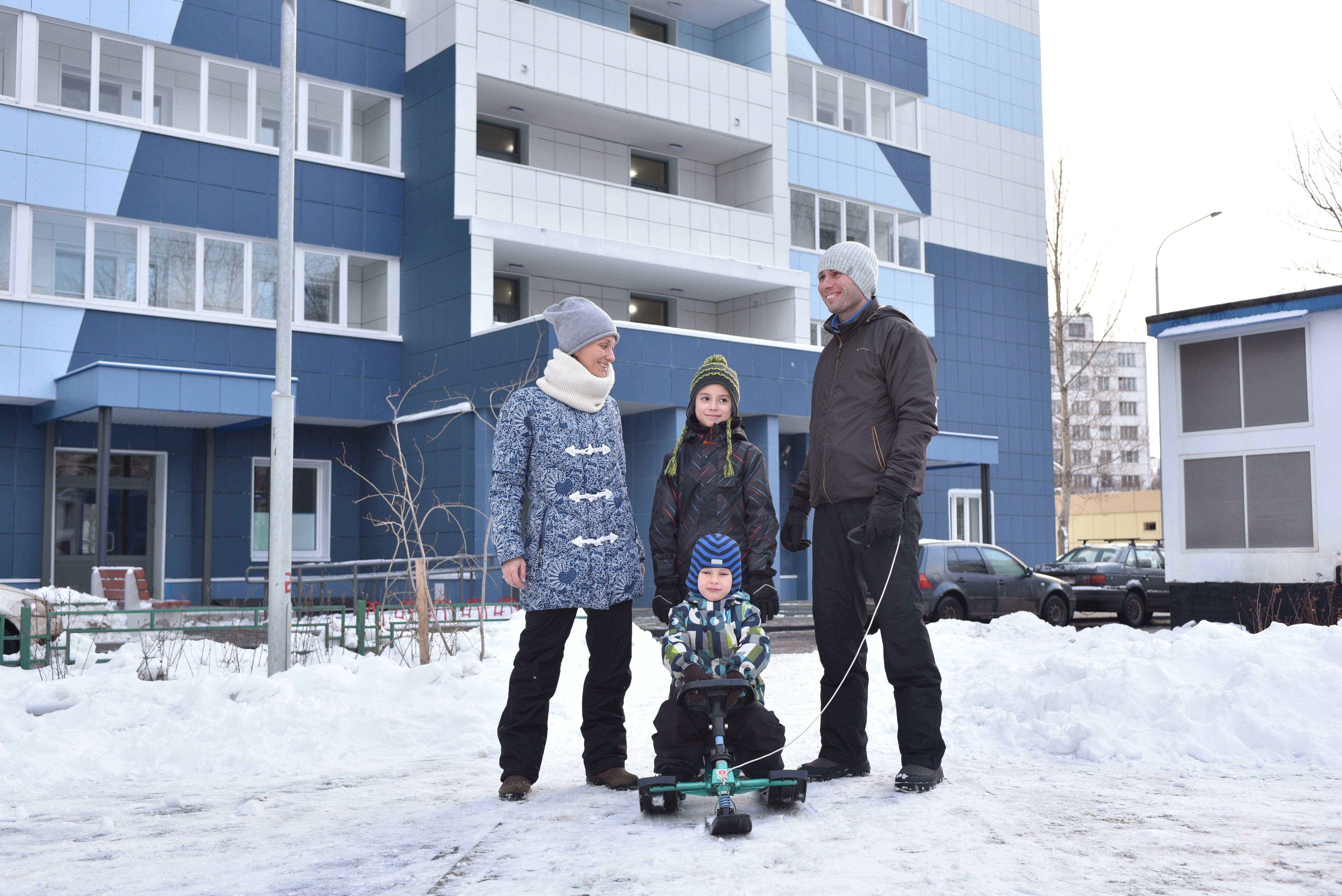 Родительская общественность советует москвичам оставить детей дома в новогодние каникулы