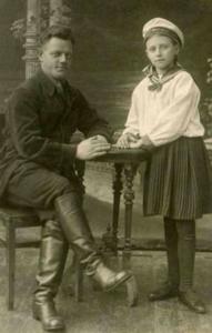 Людмила Дикунова и отец. Фото предоставил Александр Хамулин