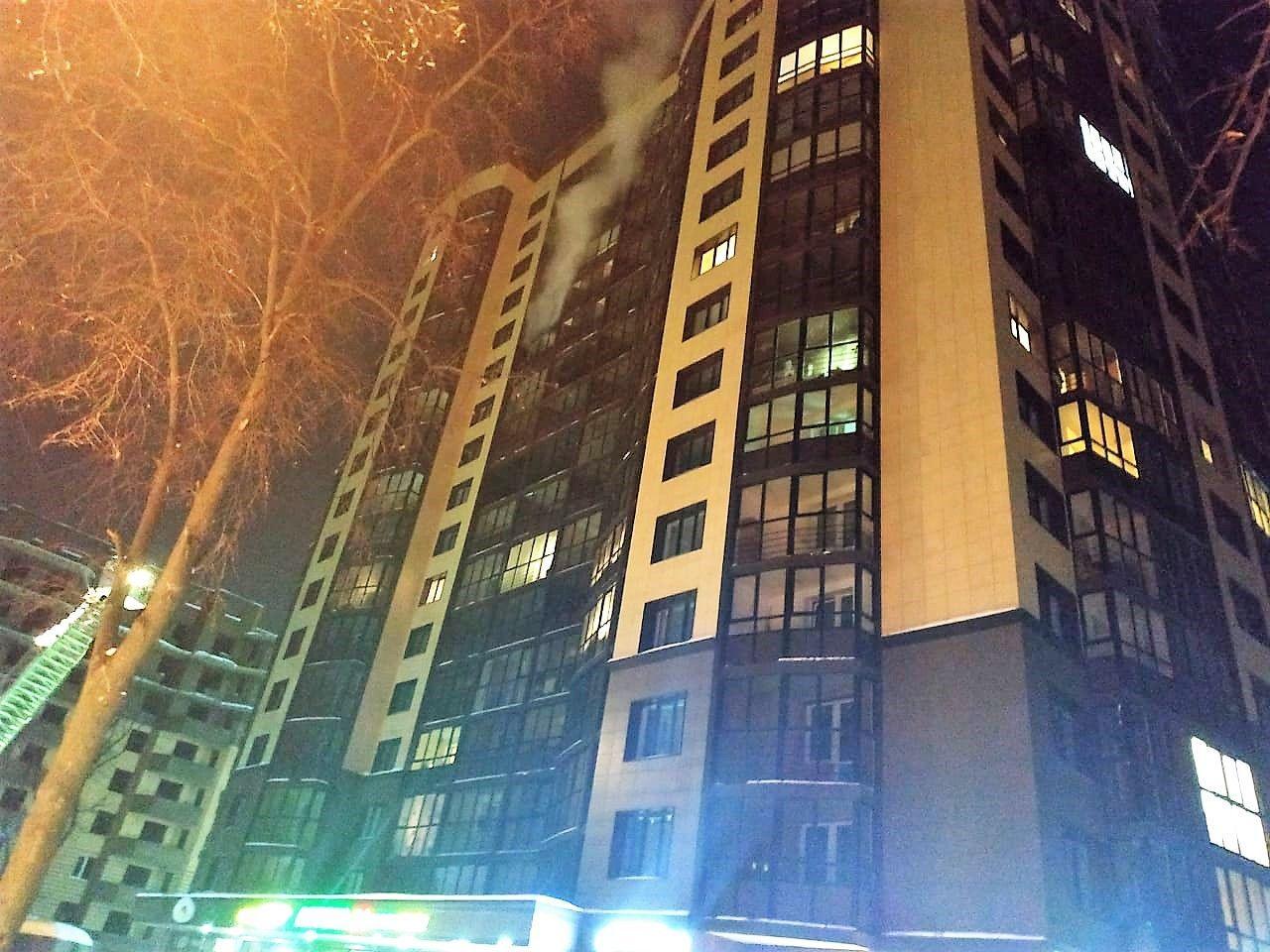 Пожарные Новой Москвы спасли 5 человек из горящего дома, двое из которых дети