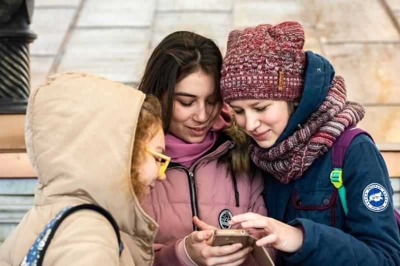 Учащиеся Москвы оценили новое приложение для пополнения соцкарт
