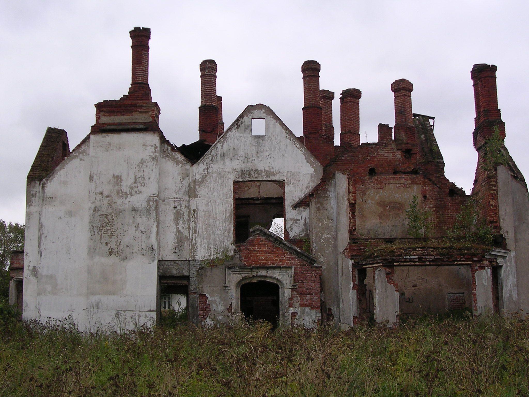 Усадьба в Крекшине: памятник архитектуры или руины