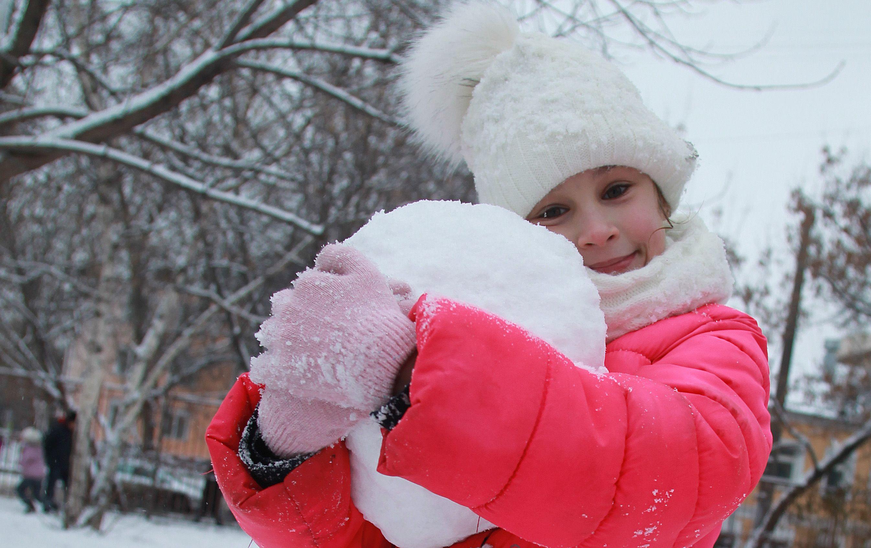 Второй день года будет снежным и прохладным