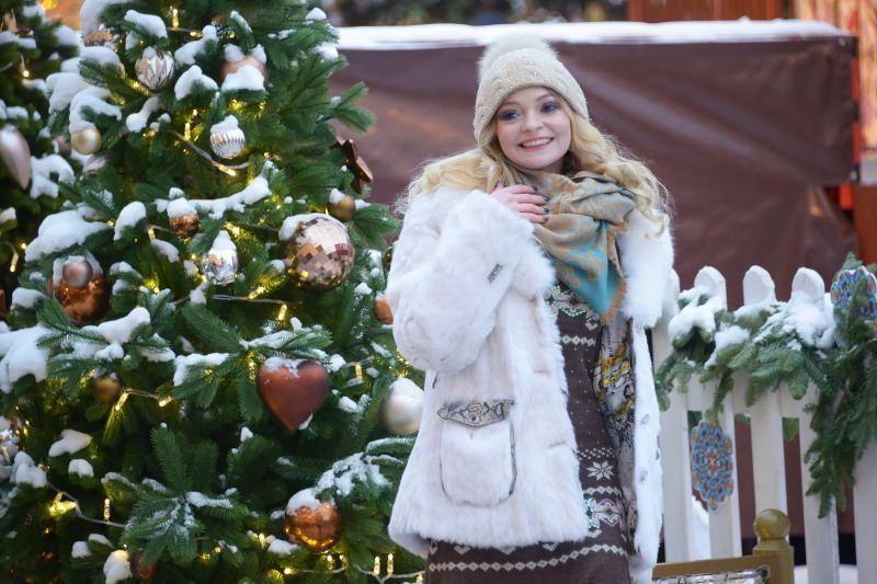 Погода на выходных в Москве будет облачной и снежной