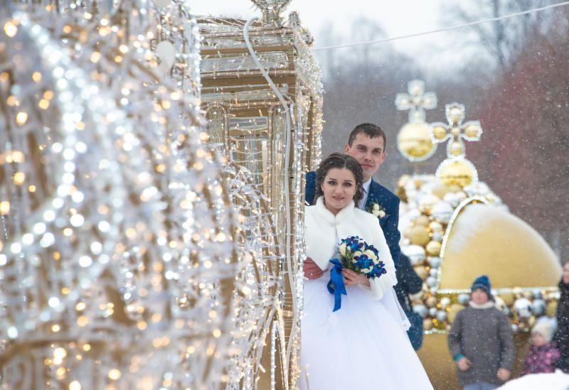 В Москве почти 300 пар поженятся на Валентинов день