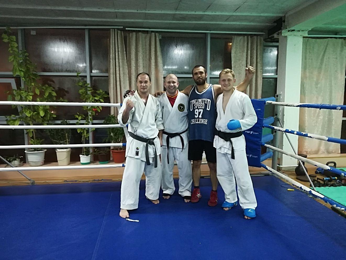 Боксерский спарринг: дружеские поединки проведут спортсмены из Щербинки