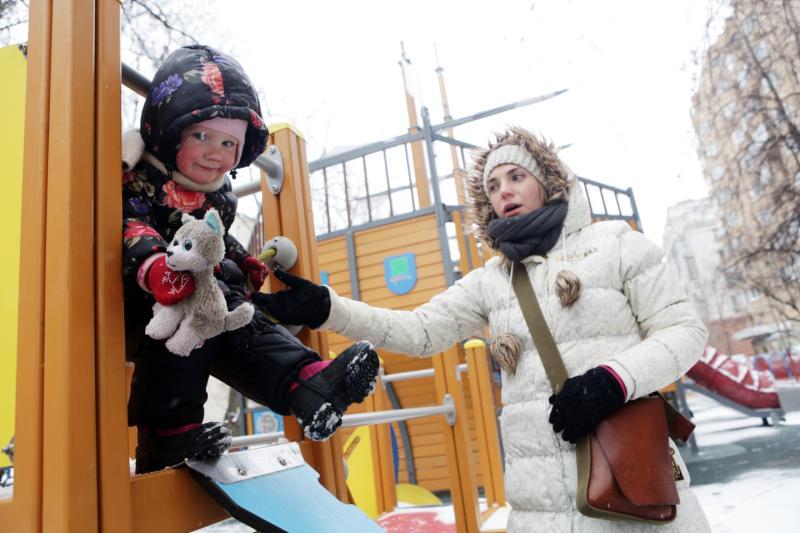 Детям и взрослым: десять досуговых зон реконструируют в Мосрентгене