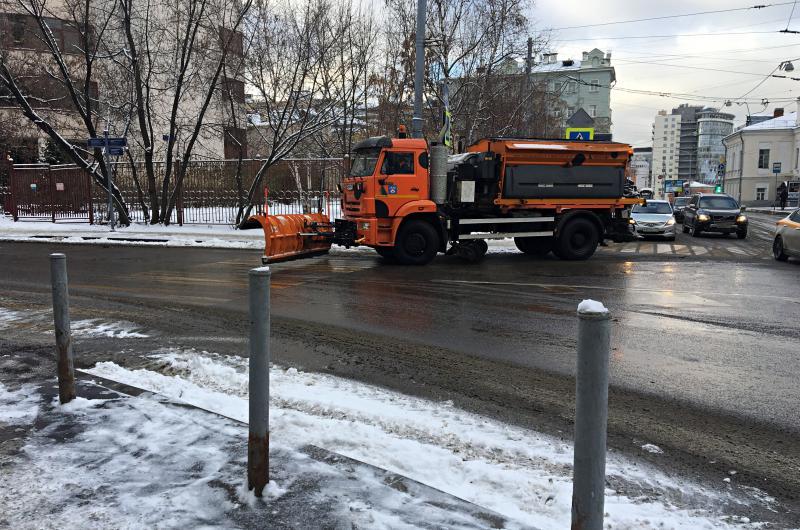 Свыше восьми тысячи единиц техники проведут уборку снега в столице