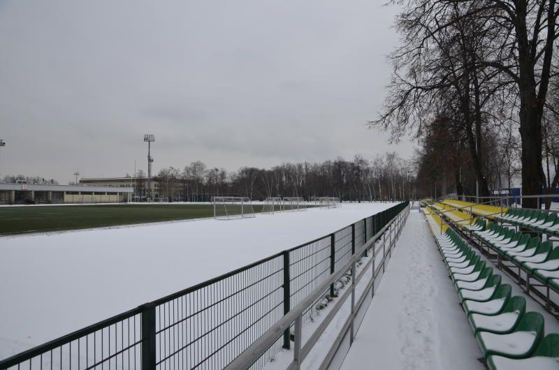 Снежный футбол провели в Новой Москве