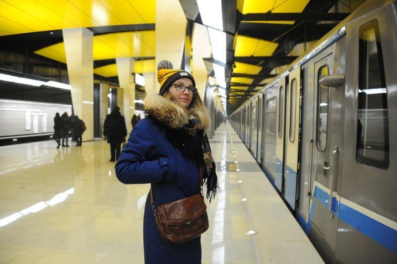 Станцией метро Арбатско-Покровской линии в первый день Нового года воспользовалось рекордное количество пассажиров. Фото: Светлана Колоскова, «Вечерняя Москва»