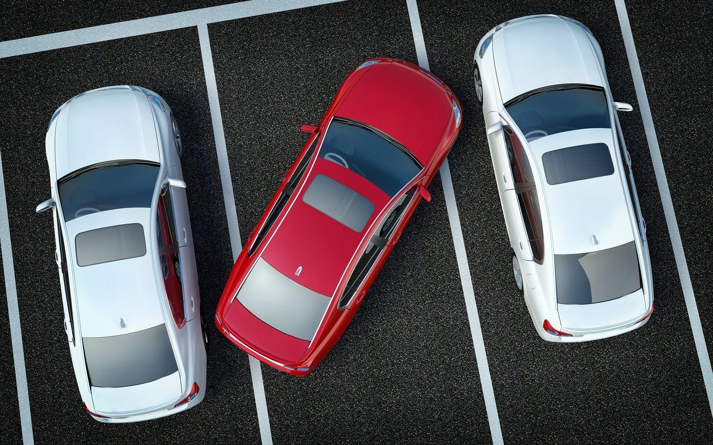 В последнее время развернулась настоящая война между автовладельцами и пешеходами. Одни оставляют машины где попало, вторые пытаются испортить их авто. Кто прав, а кто виноват? Присылайте свои мнения на адрес newokruga@vm.ru — поспорим! Фото: SHUTTERSTOCK