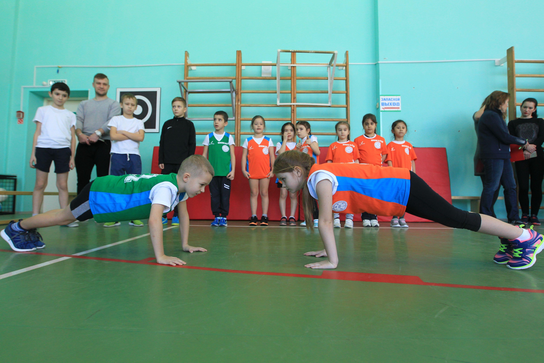 Фотофакт: ученики школы №2070 поучаствовали в спортивном фестивале