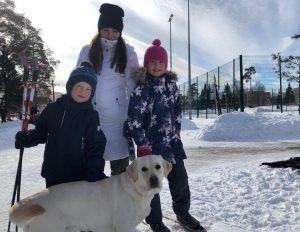 Дети с собакой Терой. Фото: Анастасия Аброськина