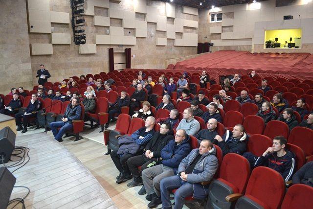 Участковые уполномоченные полиции МО МВД России «Коммунарский» г. Москвы отчитались перед населением о проделанной работе в 2018 году