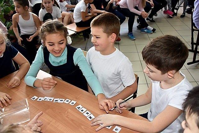 Год предотвращения чрезвычайных ситуаций в МЧС России: сотрудники надзорной деятельности проводят занятия с детьми