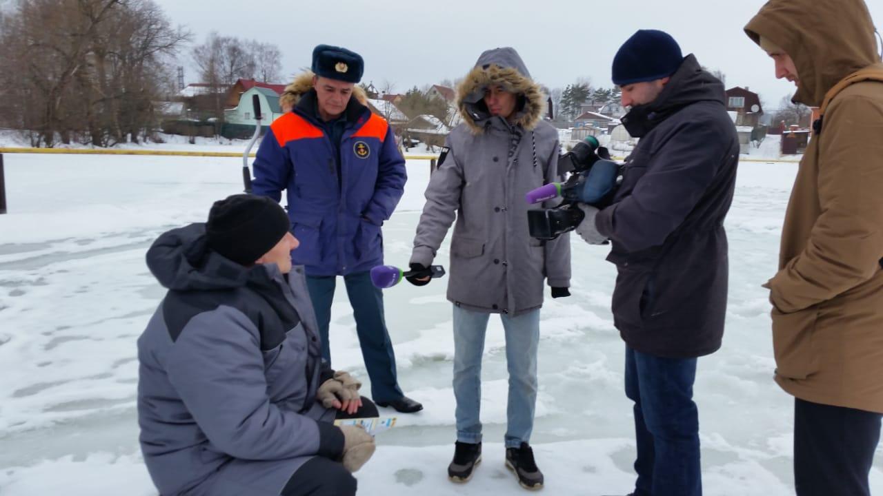 Акция «Безопасность людей на льду» проходит в Новой Москве. Фото: Пресс-служба Управления по ТиНАО Департамента ГОЧСиПБ