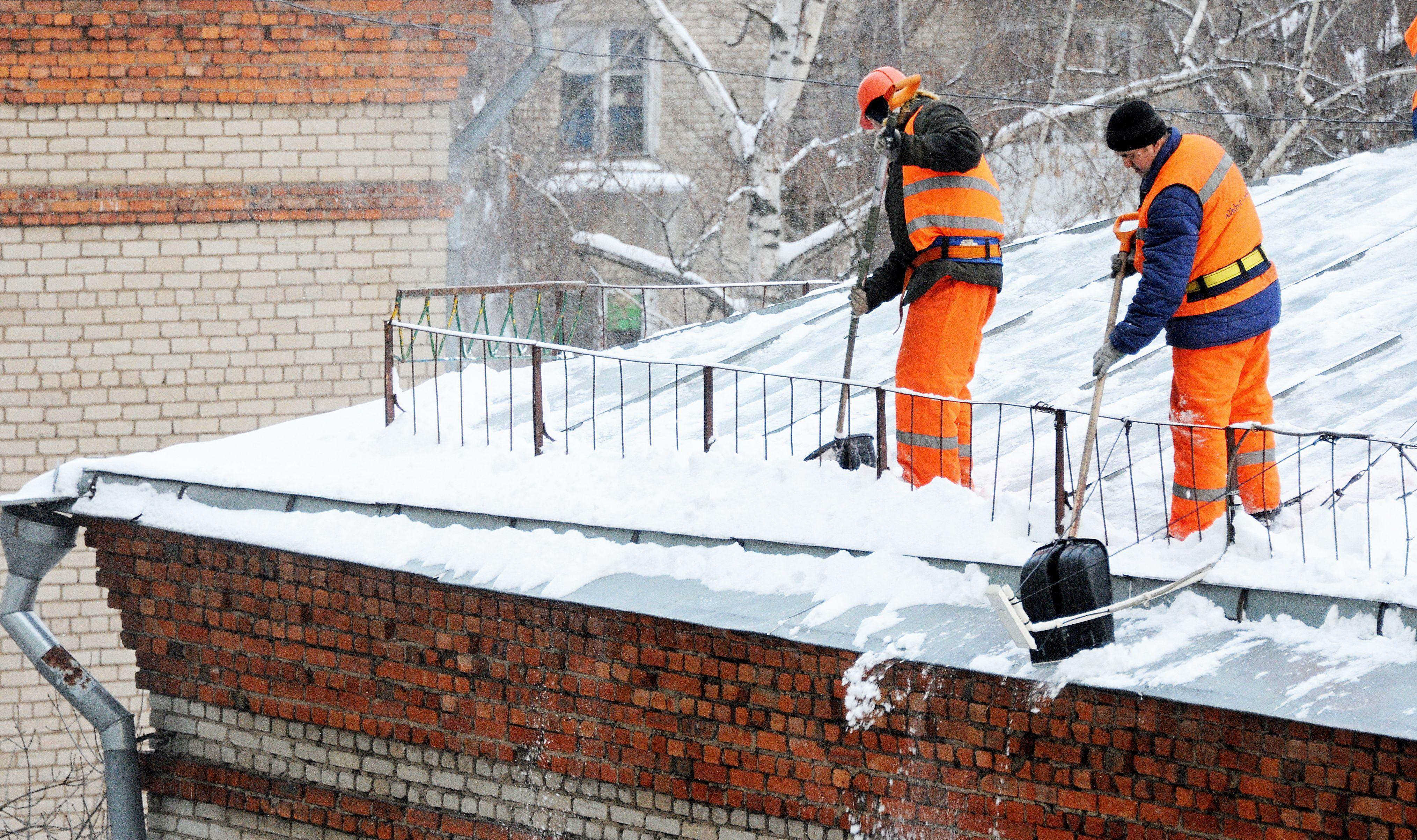 Очистку крыш провели в Краснопахорском