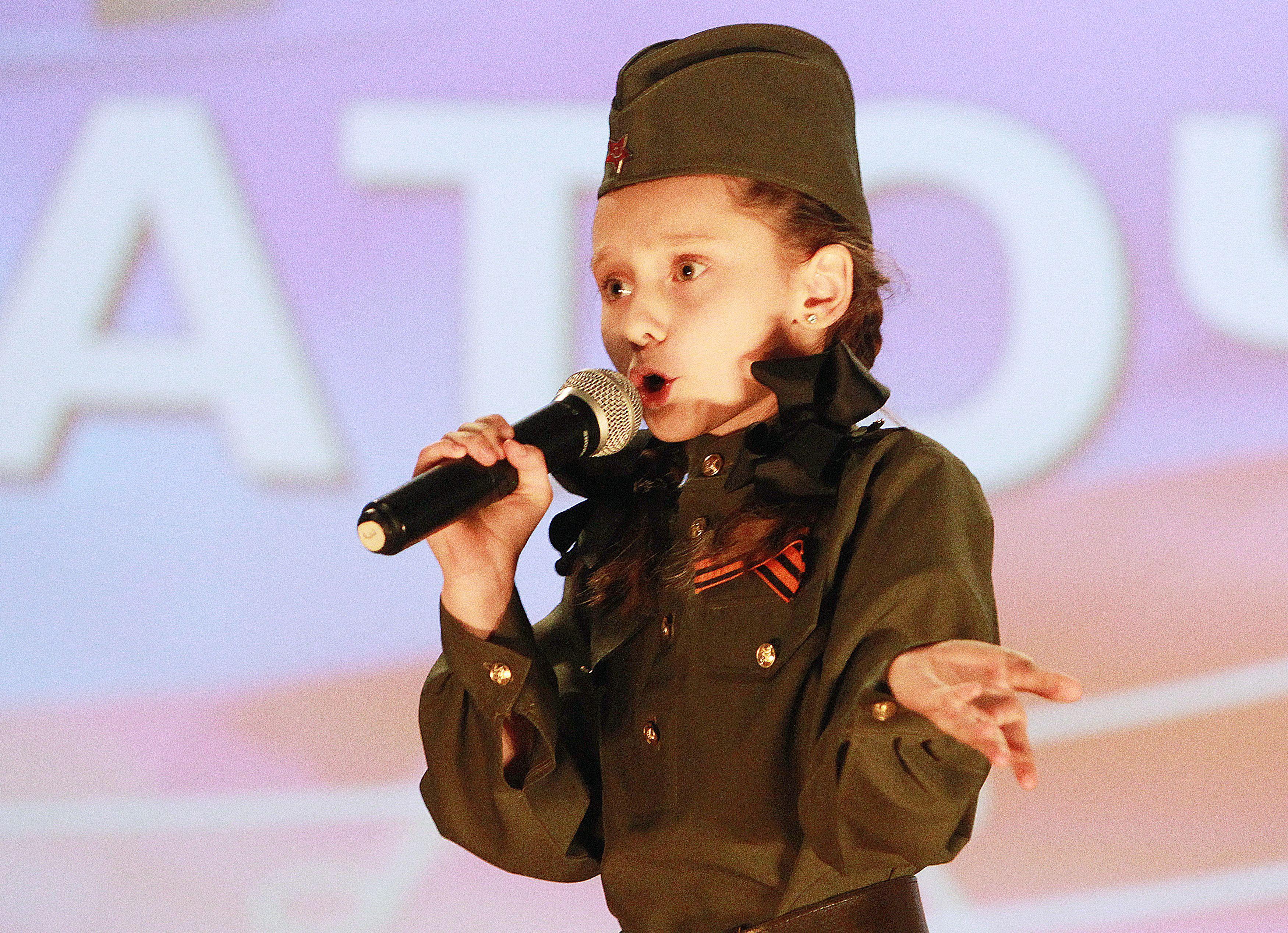 Ученики школы в Кокошкине выступили на патриотическом фестивале
