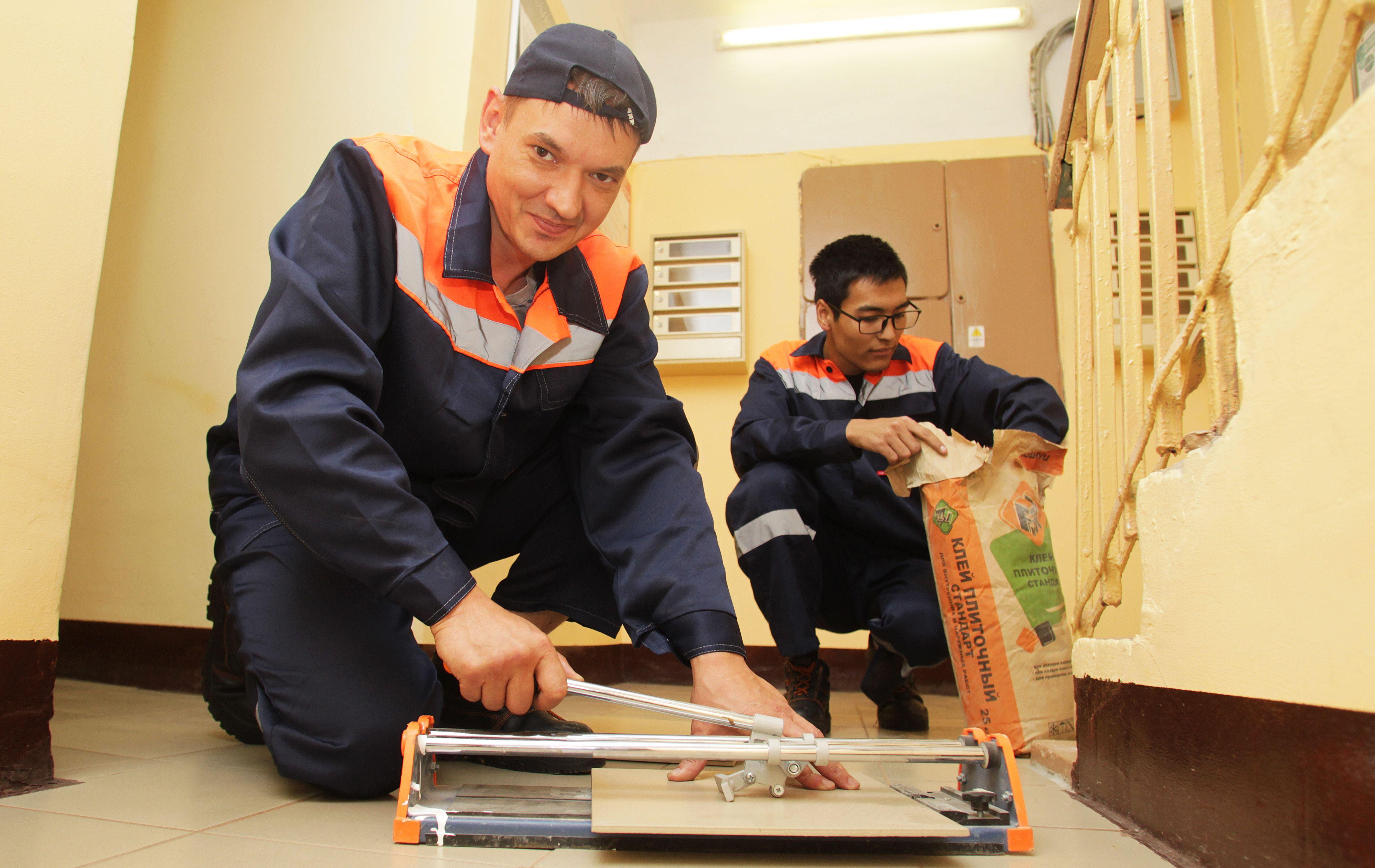 Ремонт подъездов в жилых домах начали в Новофедоровском