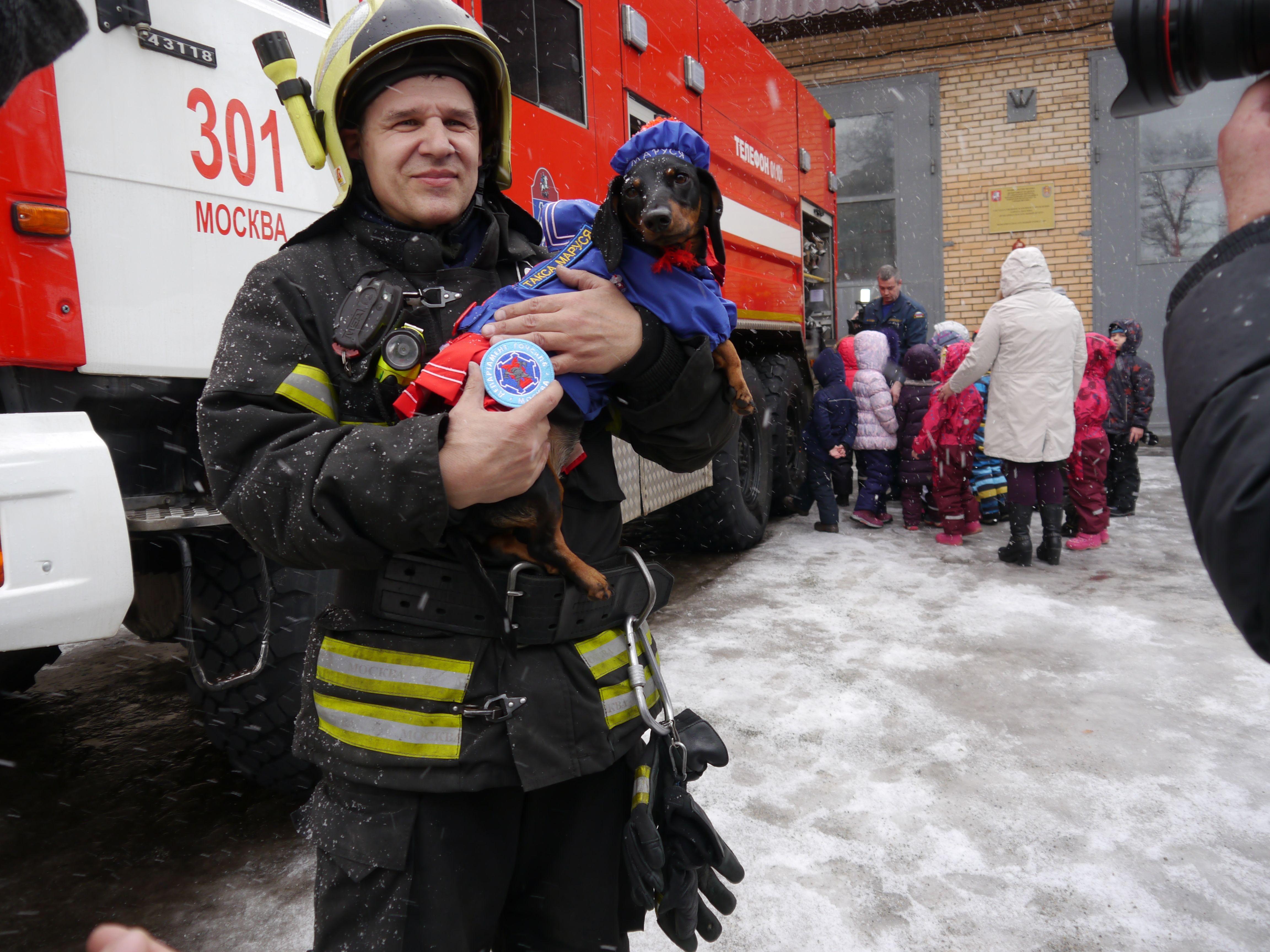 Дети из Воскресенского узнали о профессии пожарных. Фото: пресс-служба Управления по ТиНАО Департамента ГОЧСиПБ