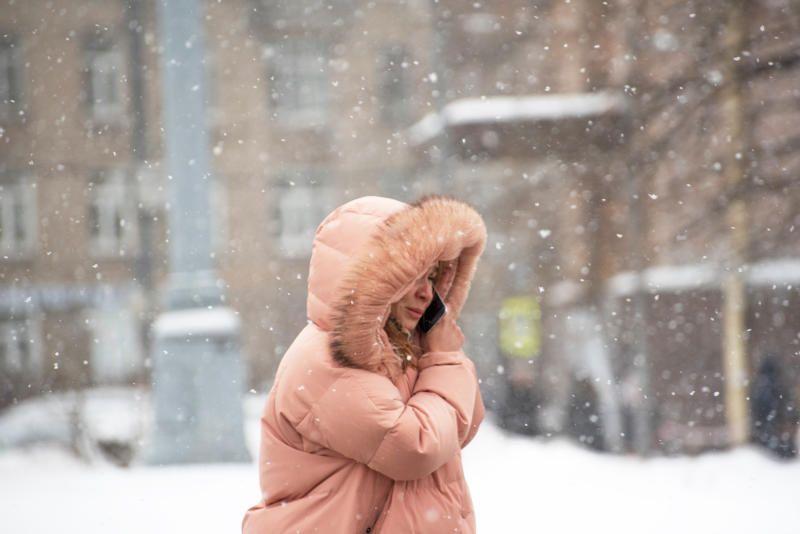 Москвичей предупредили о сильном ветре во вторник