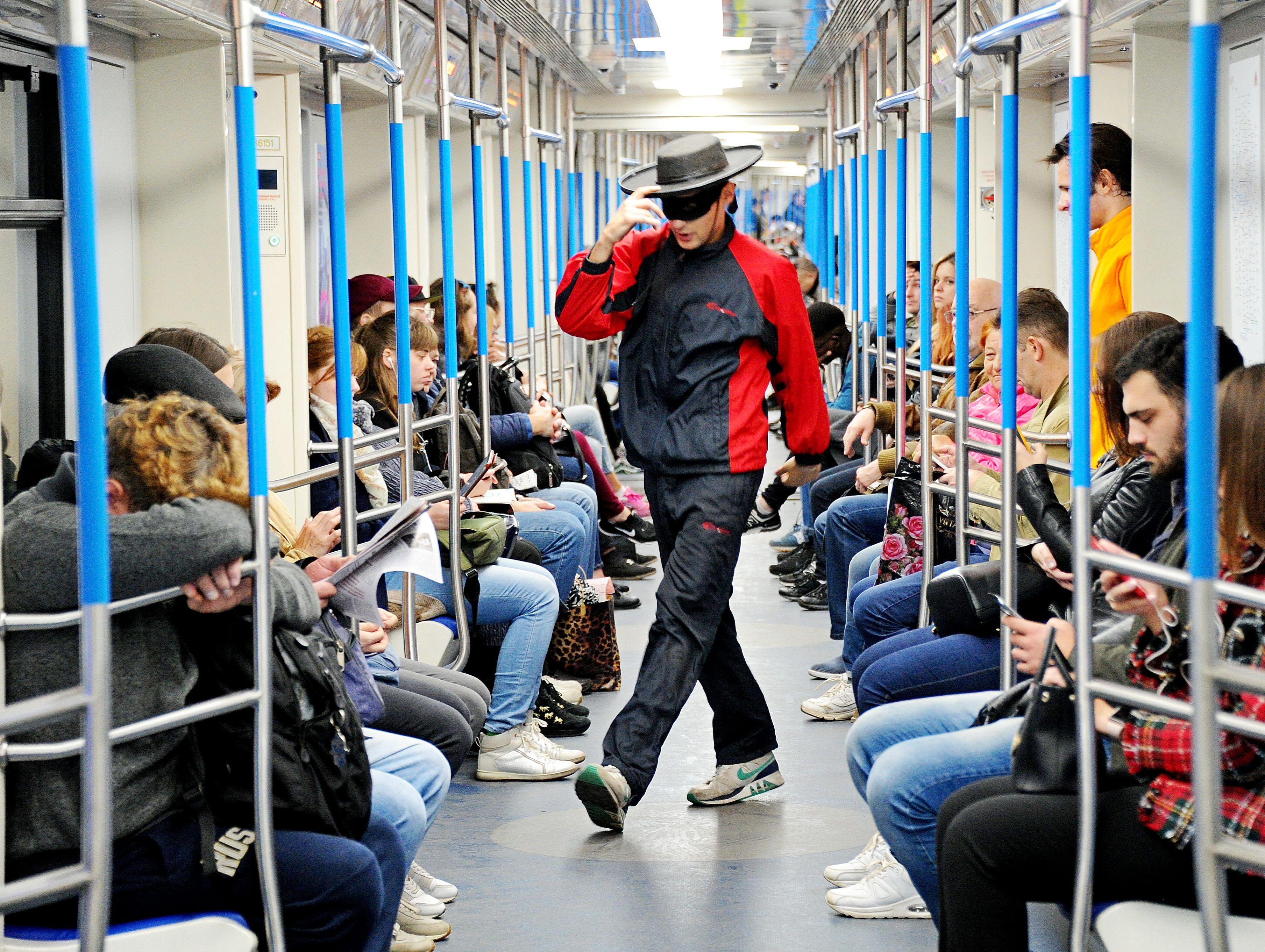 Московское метро расскажет о съемках с Брюсом Уиллисом и Софи Лорен