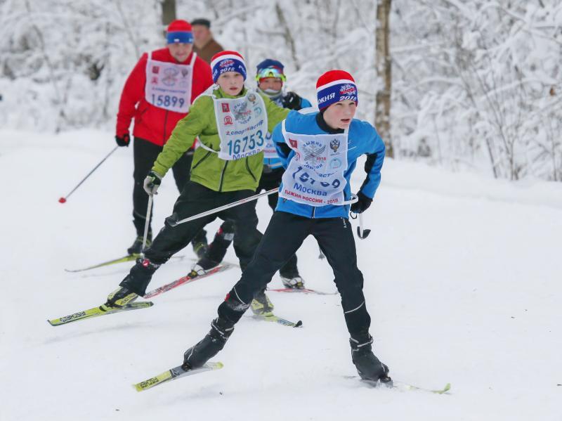 Москва провела массовые лыжные гонки