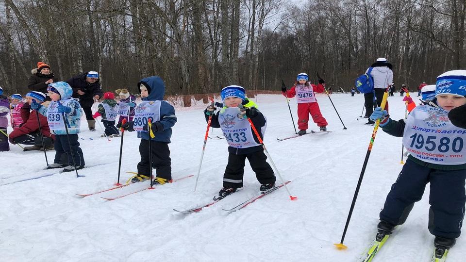 Более тысячи человек приняли участие в соревновании «Лыжня России — 2019» в Вороновском