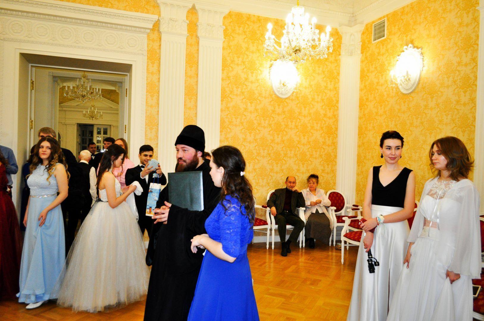 В перерыве между танцами. Фото: Никита Нестеров