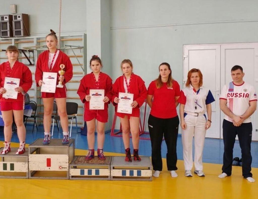 Спортсменки из Роговского поучаствуют в турнире по самбо. Фото предоставил Алексей Алехин