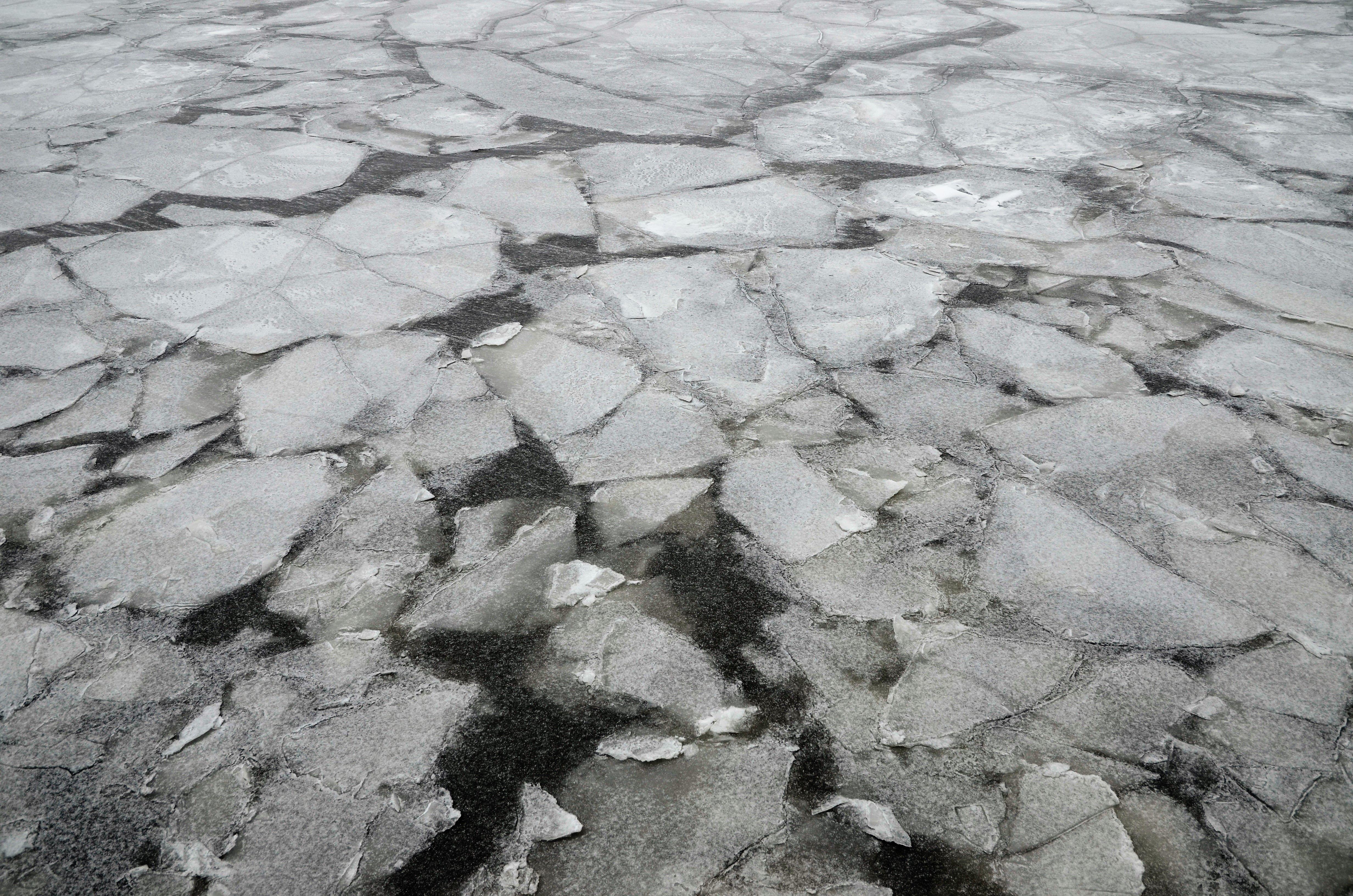 Лед на реках растает в начале апреля в столице