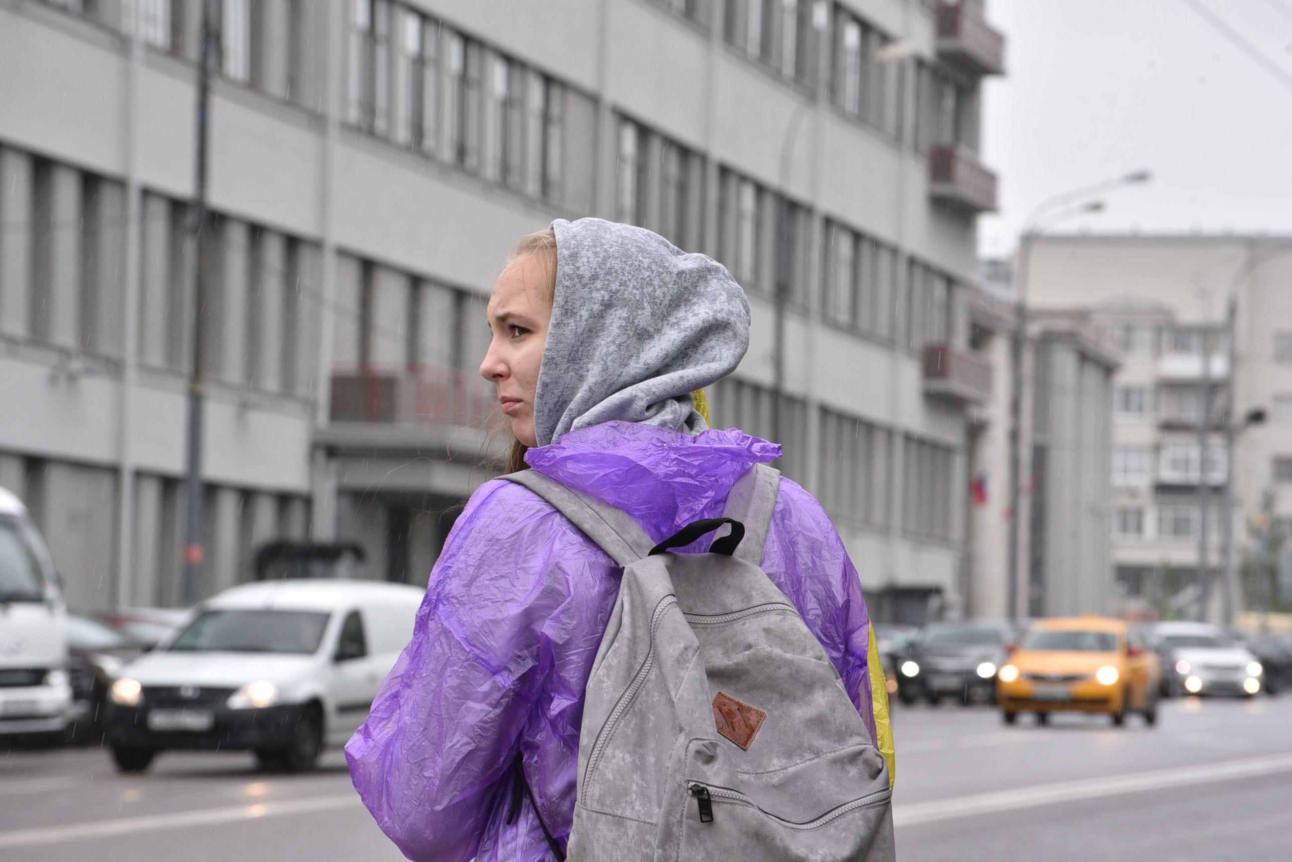 Погода на выходных в Москве будет теплой и дождливой