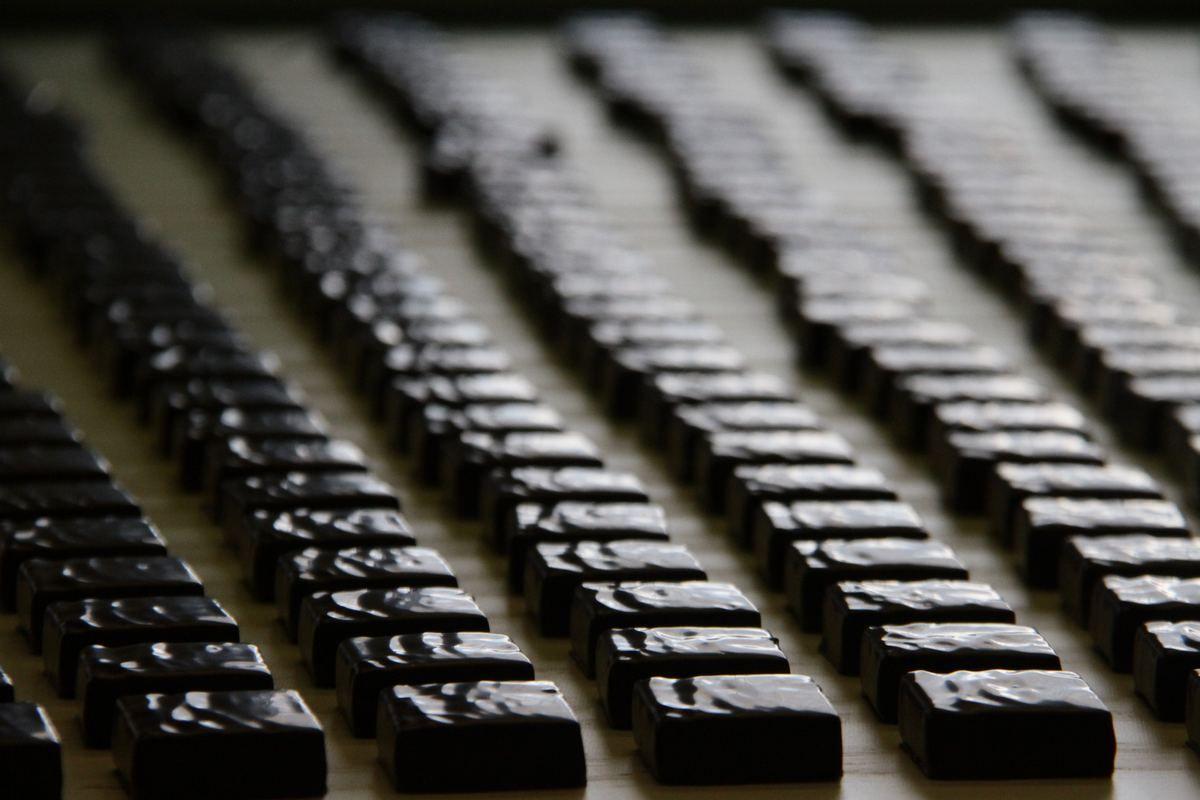 Москвичей пригласили на бесплатные экскурсии по цехам шоколада и кваса