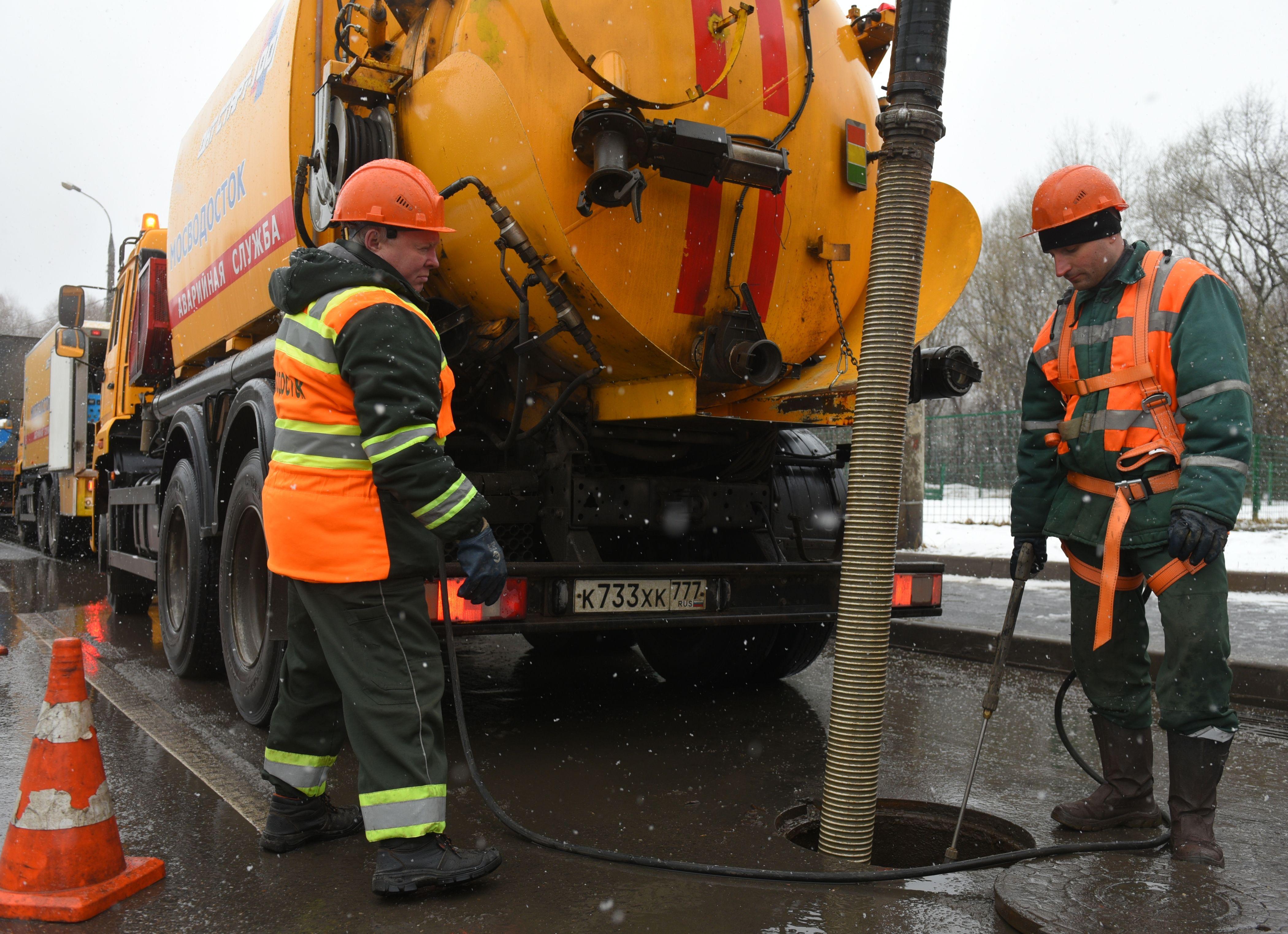 Специалисты реконструируют очистные сооружения и построят канализационную насосную станцию в Марушкинском. Фото: Александр Кожохин, «Вечерняя Москва»