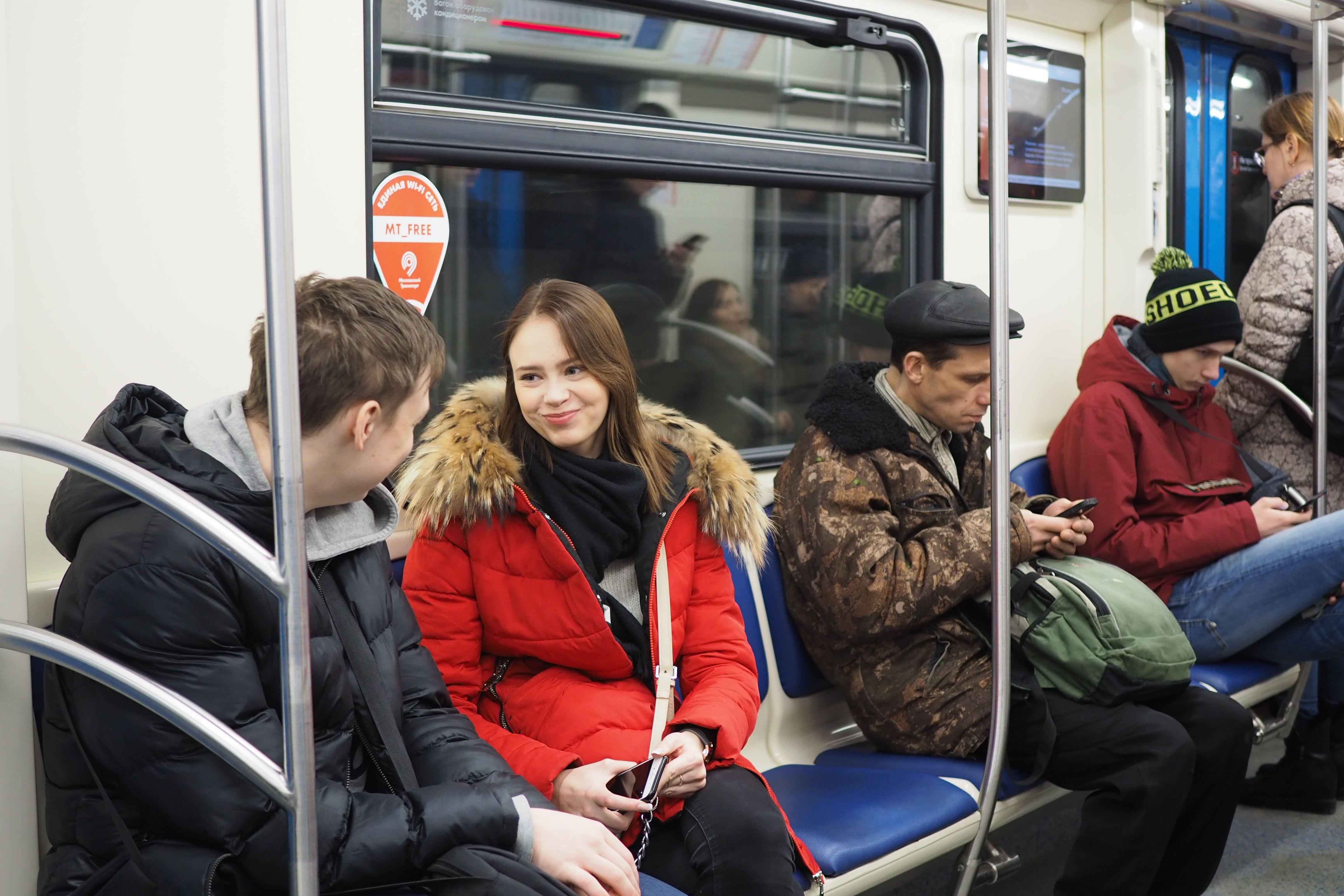 Восьмивагонные поезда метро отправились в Новую Москву