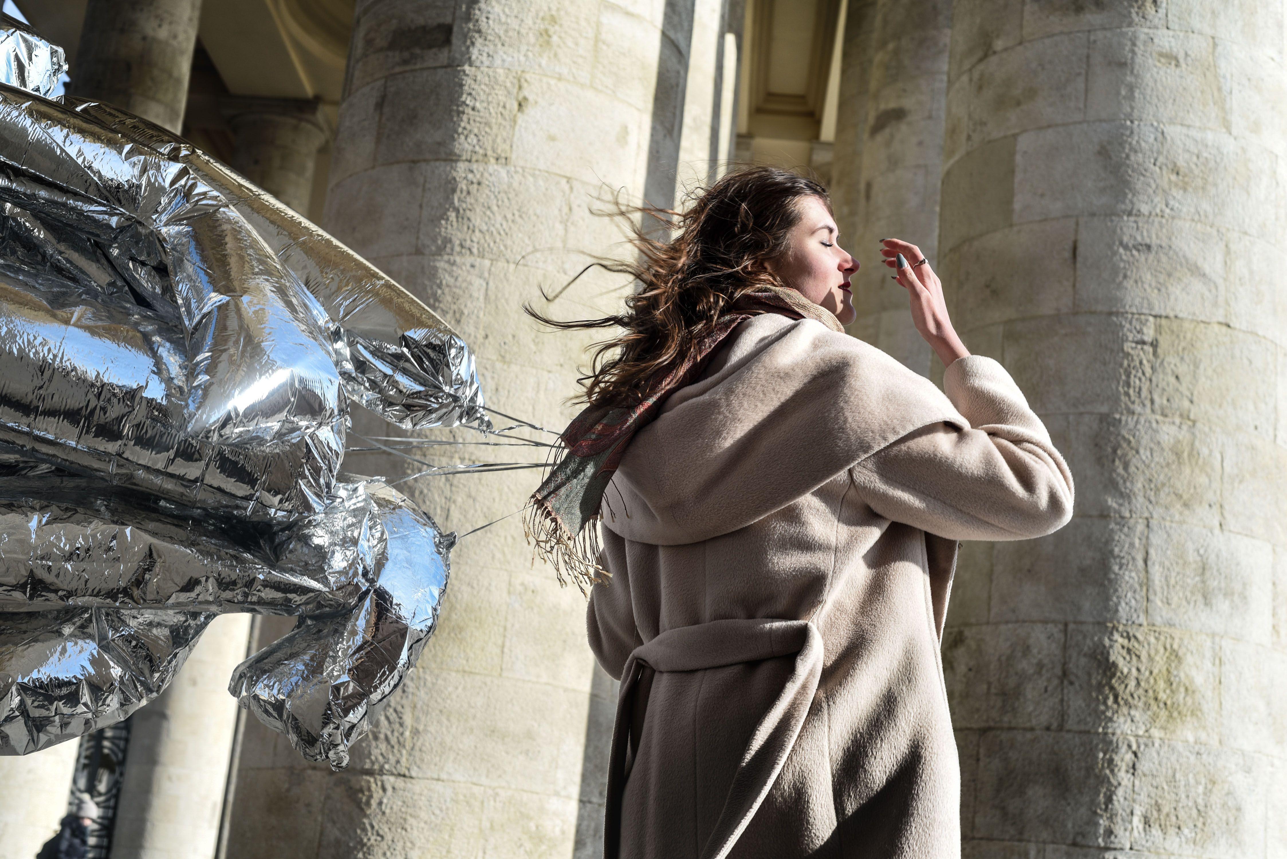 Москвичей предупредили о сильном ветре в субботу