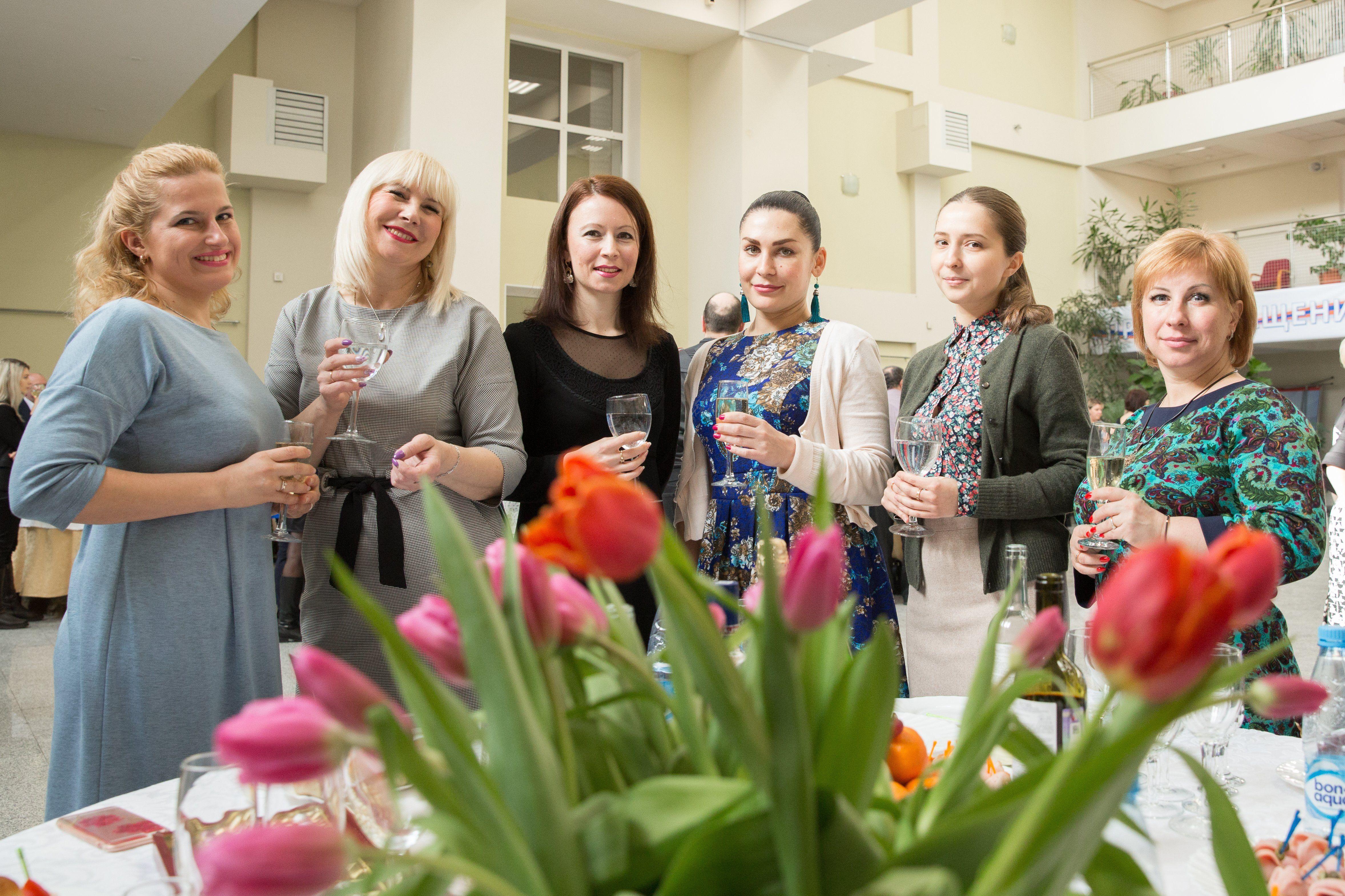 Женщин Департамента ГОЧСиПБ поздравили с прекрасным праздником