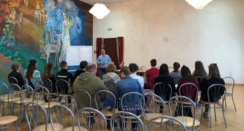 Мастер-класс по ораторскому искусству провел глава администрации Вороновского
